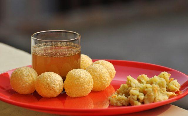 street foods in mumbai, pani puri