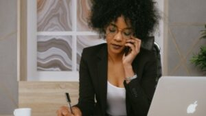 Is Becoming Virtual Assistant Right For You?